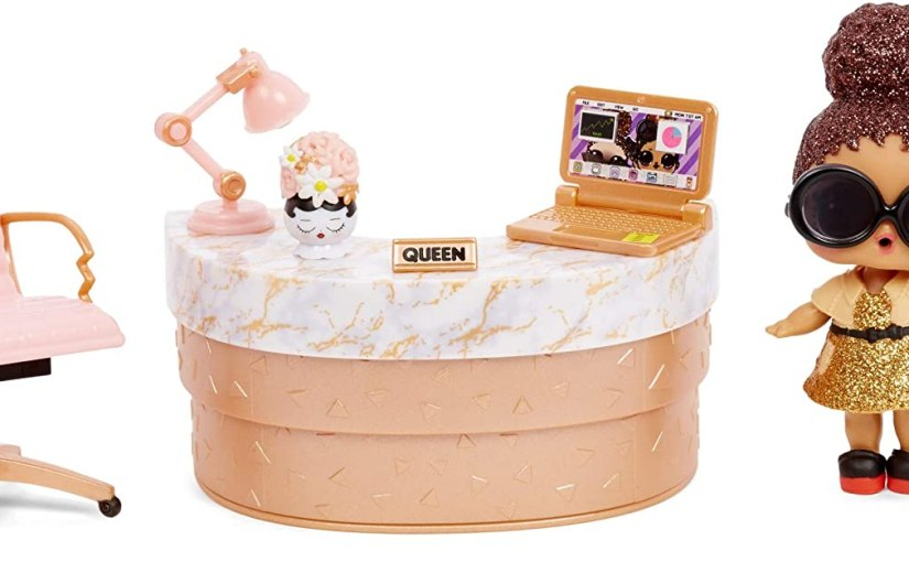 L.O.L. Surprise! Furniture School Office with Boss Queen & 10+Surprises